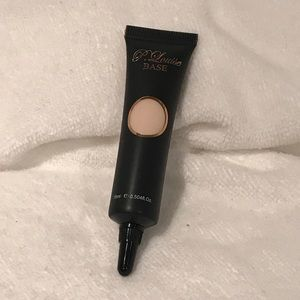 P Louise Base fair 0.5 eyeshadow primer